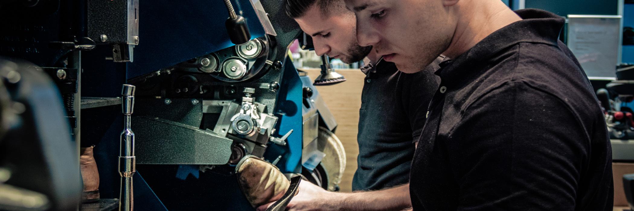Rotonde Schoenmakerij - Schoen Reparatie