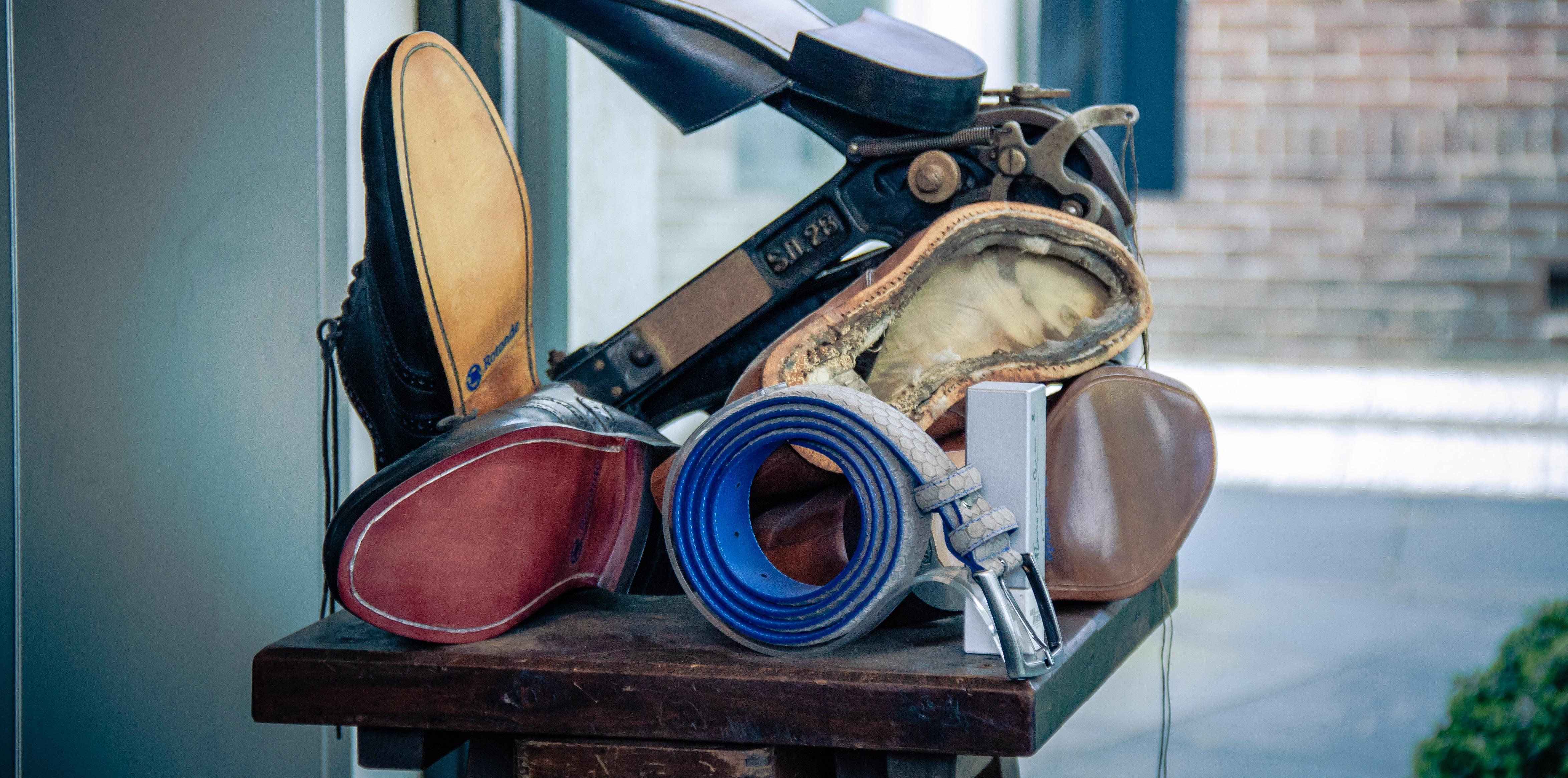 Schoenaanpassing - Rotonde Schoenmakerij